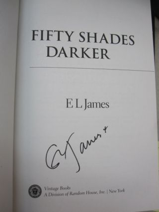Fifty Shades Trilogy: Fifty Shades of Grey, Fifty Shades Darker, Fifty Shades Freed 3-volume Boxed Set.
