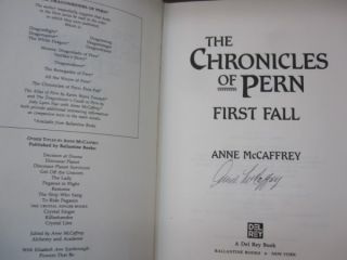 The Chronicles of Pern: First Fall (The Dragonriders of Pern).